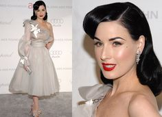 Dita Von Teese - queen of old hollywood glamour hair Dita Von Teese Wedding, Dita Von Teese Style, Vintage Inspired Fashion, Retro Fashion, Mad Men, Burlesque, Hollywood Glamour Hair, Hair Shows, Costume