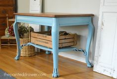 Wonderful No Cost french Farmhouse Desk Concepts This was my first wood project ever. No prior experience and no tools. I started really from scratch Farmhouse Desk, French Farmhouse, Annie Sloan Old White, Farm House Colors, Painted Drawers, Small Tables, Side Tables, Weathered Oak, Colored Highlights