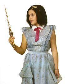 Jane is one of the childhood best friends of Demetria Disney Xd, Disney Films, Disney Villains, Descendants 2015, Descendants Costumes, Brenna Damico, Isle Of The Lost, Mal And Evie, Audrey Rose