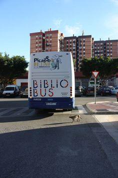 Bibliobús Municipal de Málaga. En ruta, de camino a Fuente Cabello, El Viso y El Tarajal.