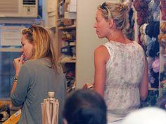 Kate Hudson and Uma Thurman at a yarn store