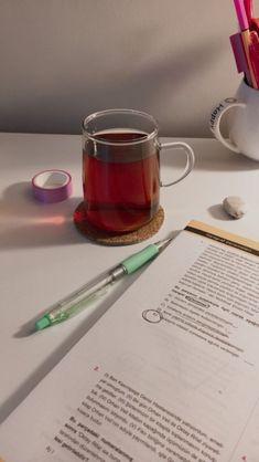 College Motivation, Study Motivation, Coffee Study, Study Snacks, College Aesthetic, Study Design, Magic Words, Study Hard, Foto Art