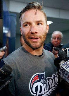 Find images and videos about patriots, patsnation and julian edelman on We Heart It - the app to get lost in what you love. New England Patriots Merchandise, New England Patriots Football, Julian Edelman Baby, Julian Edleman, Edelman Patriots, Danny Amendola, Nfl Football Players, Superbowl Champions, National Football League