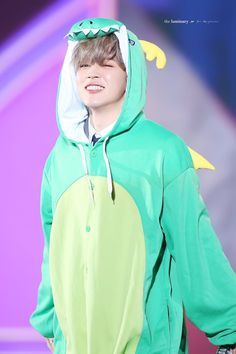 let me dragon come out and this my dragon mochi park JIMIN!!