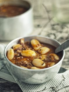 Fasolka po bretońsku z mięsem mielonym - Baked Beans with Minced Meat How To Cook Beans, Polish Recipes, Polish Food, Bean Stew, Baked Beans, One Pot Meals, I Love Food, Soups And Stews, Main Dishes