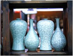 Never knew they could fit that way! Inlay and crystaline glaze pottery Korean style Glazes For Pottery, Ceramic Pottery, Pottery Art, Ceramic Art, Pottery Ideas, Korean Pottery, Potters House, Ceramics Projects, Candle Holders