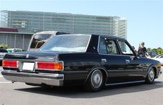 TOYOTA CROWN MS110 | Lowered, Slammed, JDM