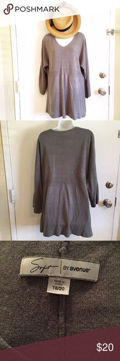 Avenue Tunic Sweater Plus size 18/20 Soft by Avenue tunic length sweater. Does have some piling. Perfect over a pair of leggings. #soft #avenue #plus #plussize #tunic #sweater #grey #gray #sweater #fall #autumn #punkydoodle   No modeling Smoke and pet free home I do discount bundles Avenue Sweaters