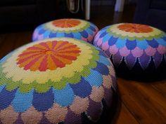 Ravelry: Jengajen's Petal Power Floor Cushion