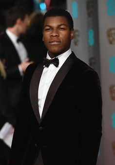 John Boyega in Armani bei den BAFTA Awards in London