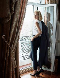 Eva Herzigova by Xavi Gordo for ELLE Spain February 2017 - Dior Spring 2017 Management Styles, Artist Management, Business Dresses, Business Outfits, The Style Council, Elle Spain, Eva Herzigova, Dior, Business Portrait