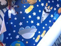 Querem ver como ficou o quarto do Ben? Corre pro Blog, já liberei o post do papel de parede Decoratons.  http://jeanecarneiro.com.br/decoratons-decorando-o-quarto-do-ben/  #decoratons #papeldeparede #decorando #decoracao #dica #dicas #desconto #dicadecompras