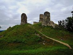 Castle Brníčko (or what's left of it)  #castle #ruins #castleruins #hrad #hike #travel #hill #czech #czechrepublic #igerscz #moravia #hiking #hikingadventures #hikingtrails #hikingculture #hikinglife #outdoors #outdoorlife #traveling #travelgram #gaytravel #wanderlust #adventure #explore #discover #cloudy #building #historical #sightseeing #photooftheday
