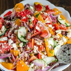 Tomato Salad with Red Onion, Dill and Feta @keyingredient #healthy #cheese #tomatoes