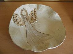 Ceramic angel plate http://www.fler.cz/zbozi/andelsky-talir-na-cukrovi-4246936?pos=81