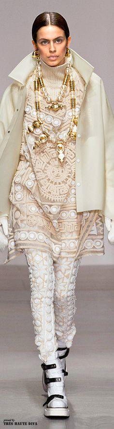 London Fashion Week \/ KTZ \/ FW 2014 \/ High Fashion \/ Ethnic & Oriental \/ Carpet & Kilim & Tiles & Prints & Embroidery Inspiration \/