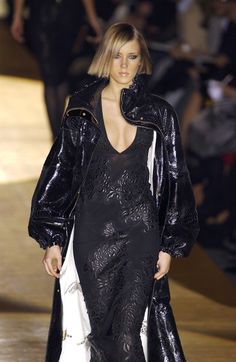 Roberto Cavalli Ready-to-Wear Fall / Winter 2002