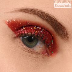 Are you looking for inspiration for your Halloween make-up? Browse around this site for cute Halloween makeup looks. Red Makeup, Glitter Makeup, Makeup Inspo, Makeup Art, Makeup Inspiration, Hair Makeup, Makeup Drawing, Makeup Wipes, Makeup Brush