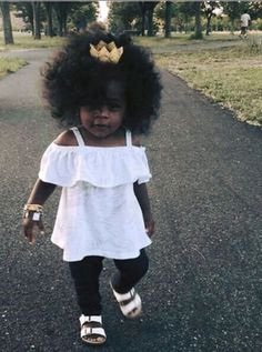 40 Cute Hairstyles for Black Little Girls 2017 Cute Black Babies, Beautiful Black Babies, Cute Baby Girl, Beautiful Children, Baby Love, Cute Babies, Brown Babies, Baby Girls, Chocolate Babies