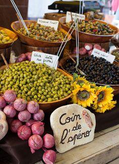 Olives au marché de #Gordes, #Provence