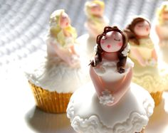 Seven Brides for Seven Brothers - cupcakes for the girls who played the brides