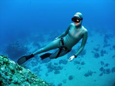Crystal grains can hold 160 times the oxygen for lighter underwater breathing, absorb O2 from water.  The crystals would change scuba diving to something like free diving and by getting oxygen from water it would extend the duration that diving could be performed to perhaps tens of hours. Personal submarines could last for many days