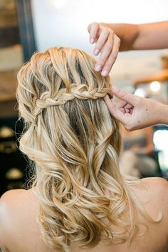 16 Bridal Hairstyles for Long Hair Fit for a PrincessConfetti Daydreams – Wedding Blog