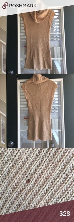 🌻Gorgeous Cowl Neck Sleeveless Knit Top 🌻 Gently worn, unnoticeable hole on back of top as shown in pic #3. Very stylish piece to add to your wardrobe. Delicate wash, air dry as needed. Derek Heart Tops