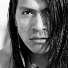 LEO ROJAS, is one of the last, true native americans. Until now, those magical roots are the major reason for Leo's intense link to mother earth. Listening to Leo Rojas's new songs will make you plung Native American Horses, Native American Music, Native American Cherokee, Native American Beauty, Kim Coates, Leo, Pan Flute, Native Indian, Actor Model