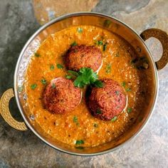 Veg Kofta Curry is an Indian gravy dish made from Mixed Vegetable dumplings cooked in a creamy onion-tomato based gravy. Paneer Gravy Recipe, Butter Masala Recipe, Veg Kofta Recipe, Vegetable Dumplings, Vegetable Curry, Vegetable Recipes, Indian Food Recipes, Ethnic Recipes, Recipe Mix