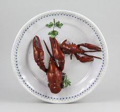 Dísztányér - folyami rákokkal - tatai fajanszmanufaktúra Shrimp, Meat, Food, Essen, Meals, Yemek, Eten
