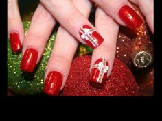 20 Best Holiday Nail Designs