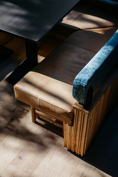 RYÙ Westmount: A Montréal Sushi Bar of Tactile Beauty Wingback Accent Chair, Teal Accent Chair, Accent Chairs, Swivel Chair, Chair Cushions, Booth Seating, Bar Seating, Banquette Seating Restaurant, Banquet Seating