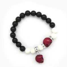 Skulls, onix and white coral bracelet » Torques Complementos. Venta online de complementos de moda