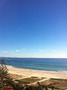 @SpencerHowson Do I really have to get out of bed today? Not yet anyway. View from the pillow. #coolangatta #612bluesky