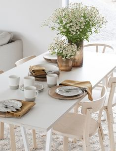 'Packaged' house, quick build new home. Scandinavian Interior Design, Scandinavian Living, Dining Area, Kitchen Dining, Dining Rooms, Inside Garden, Apartment Renovation, Decoration, Sweet Home