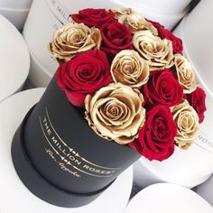 #themillionroses#design#luxury#flowerpower#flowershop#art#lifestyle#red#roses#goldroses