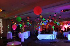 FLOAT Balloon Convention using Lite-a-Loon™ Balloons! #burtonandburton #litealoon #LEDballoons