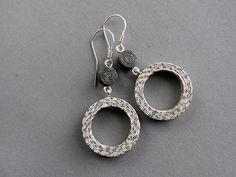 newspaper earrings | @blureco