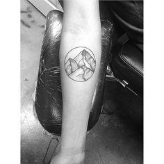 Mountains #tattoo #tattoodesign #utah #arcanearttattoo #blackworktattoo #nature #naturetattoo #mountain #mountaintattoo #circle #circletattoo #forearmtattoo #armtattoo #draw #drawing #sketch #art #artist