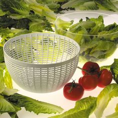 • 1-hand operated salad spinner<br>• Press knob and watch spin<br>• Non-slip ring keeps bowl in position<br>• Top rack dishwasher safe<br><br>Make fresh salad in minutes with the OXO Salad Spinner. This simple use salad spinner has a built in brake that will stop the operation. Use the bowl separately once your lettuce is dry.