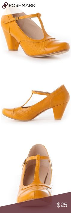 Modcloth Chelsea Crew Mustard T Strap Heels 38 7 EUC. T strap Malibu Heels. Chunky block heel. Perfect Mustard color in a retro design. Size 38 7 1/2 to 8 US equivalent. All man made materials. Heel Height 3 inches Modcloth Shoes Heels