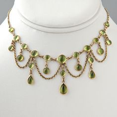 Schmuck - Victorian Trading Co. Peridot Jewelry, Peridot Necklace, Gems Jewelry, Diy Jewelry, Beaded Jewelry, Jewelry Making, Victorian Jewelry, Vintage Jewelry, Custom Wedding Rings
