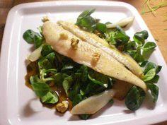 Das perfekte Pangasiusfilet mit Birnen auf Balsamico-Feldsalat mit Walnüssen-Rezept mit einfacher Schritt-für-Schritt-Anleitung: Fisch säubern, und mit…
