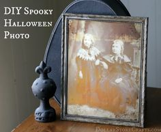 DIY Spooky Halloween Photo - so simple, and cool effect . Click for instructions