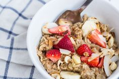 Strawberry coconut toasted oat porridge