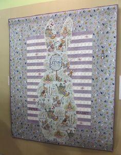 Le Tokyo Dome - CorinnePatch&Broderies Yoko Saito, Tokyo Dome, Peter Rabbit, Beatrix Potter, Textiles, Quilts, Art, Scrappy Quilts, Japanese Language