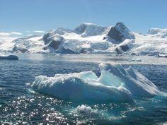 Bahía Paraiso icebergs #Antartida #polosur