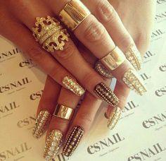 sparkle golden nail art