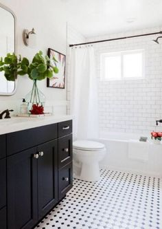 Black and white tile bathroom with a dresser gymnast .Black and white tile bathroom with a dresser gymnast . - Bad Black dresser subwaytiles Tile Black and white bathroom with Bathroom Styling, Classic Bathroom, Subway Tiles Bathroom, Amazing Bathrooms, Bathrooms Remodel, Bathroom Floor Tile Small, Bathroom Makeover, Tile Bathroom, Best Bathroom Designs